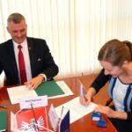 Uroczyste podpisanie umów o dofinansowanie projektów z działania 5.3 Dziedzictwo kulturowe i działania 4.3 Redukcja emisji zanieczyszczeń powietrza.