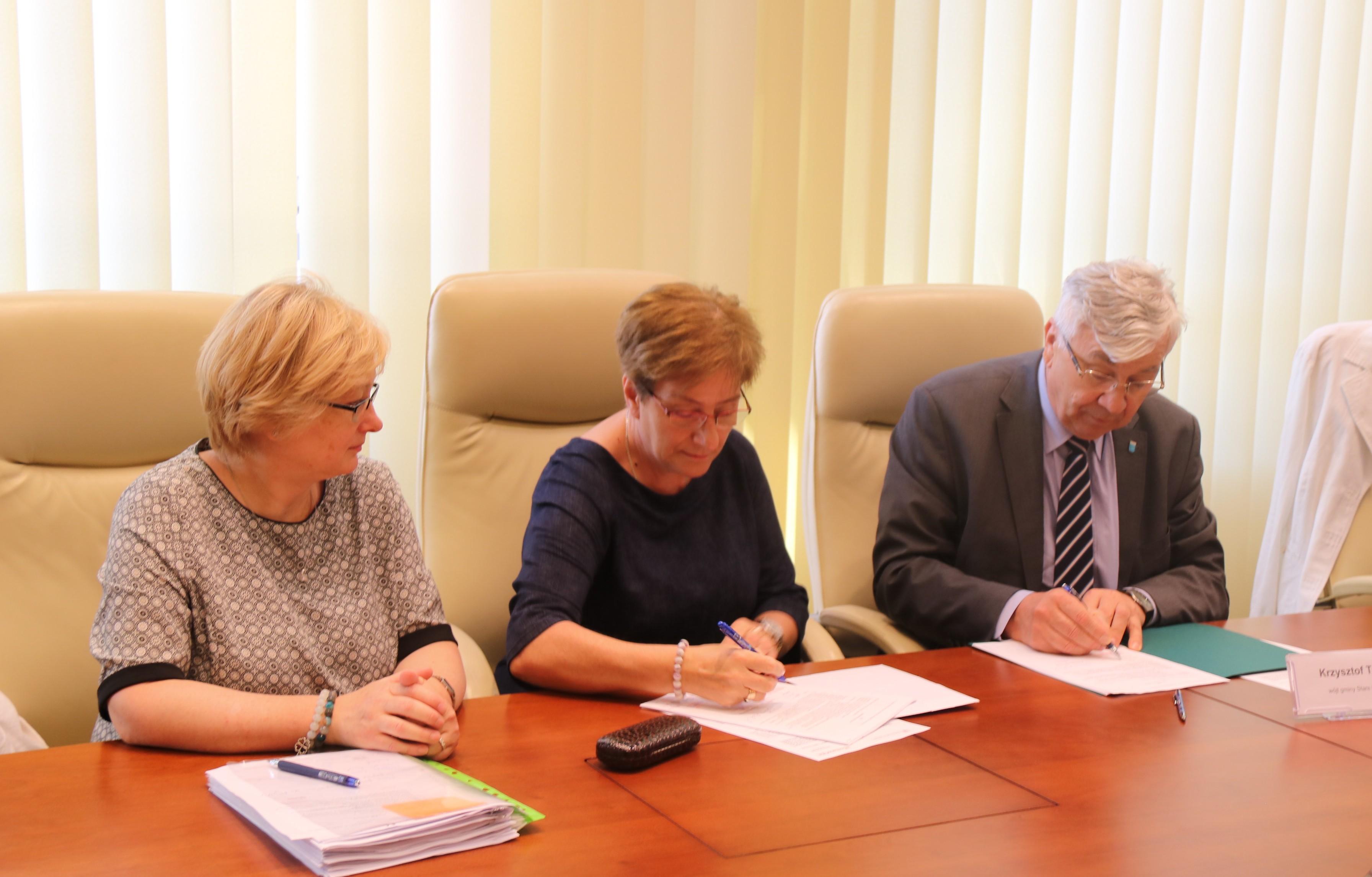 Uroczyste podpisanie trzech umów o dofinansowanie projektów z dz. 4.3 Redukcja emisji zanieczyszczeń powietrza i dz. 5.3 Dziedzictwo kulturowe