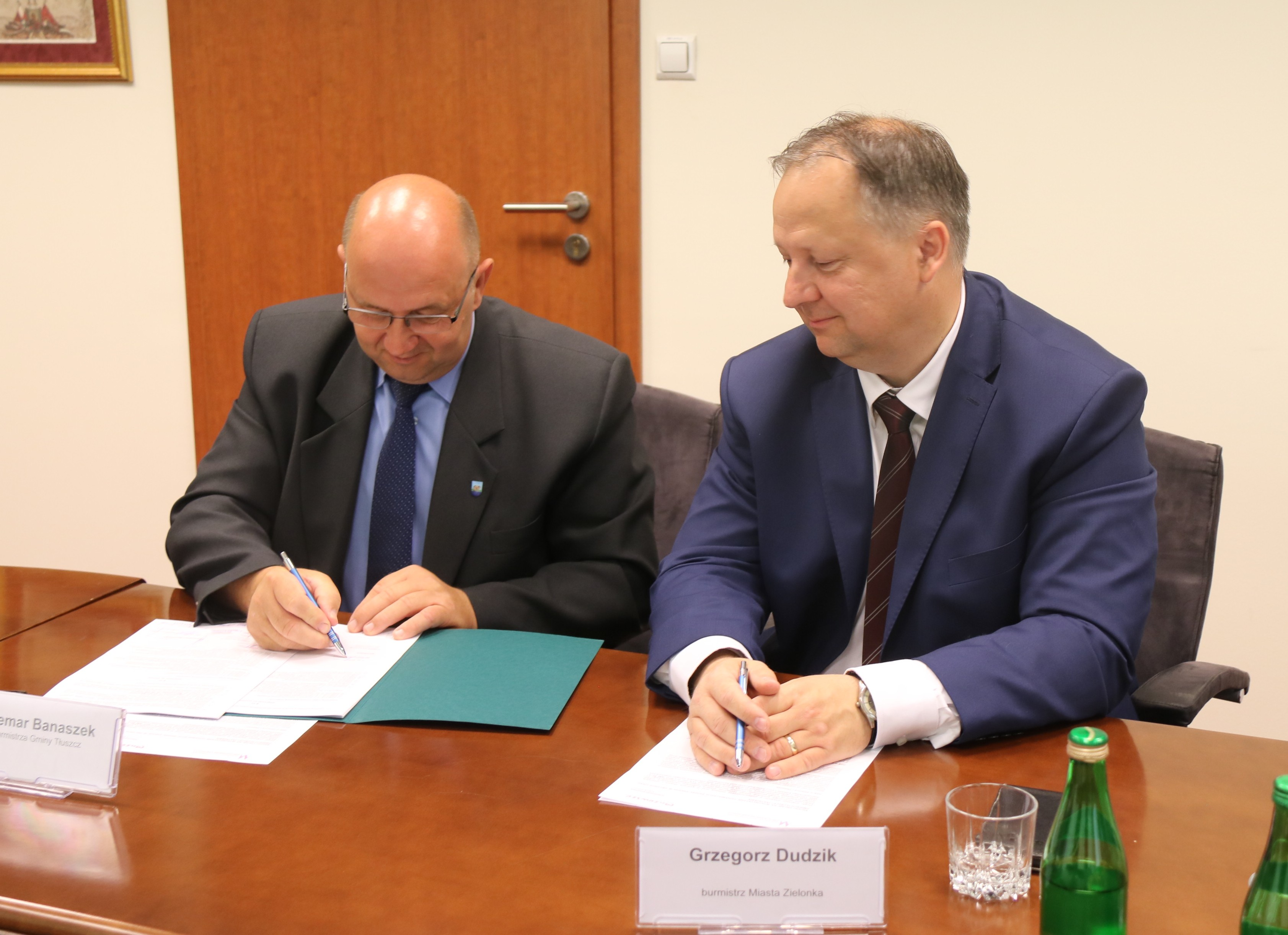 Uroczyste podpisanie dwóch umów o dofinansowanie projektów z dz. 4.1 Odnawialne źródła energii