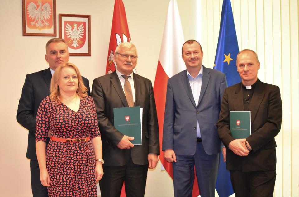 Podpisanie umów o dofinansowanie unijne projektów z dz. 4.2 Efektywność energetyczna i dz. 5.1 Dostosowanie do zmian klimatu