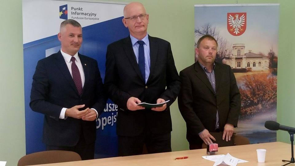 Uroczyste podpisanie umowy o dofinansowanie projektu z dz. 2.1 E-usługi