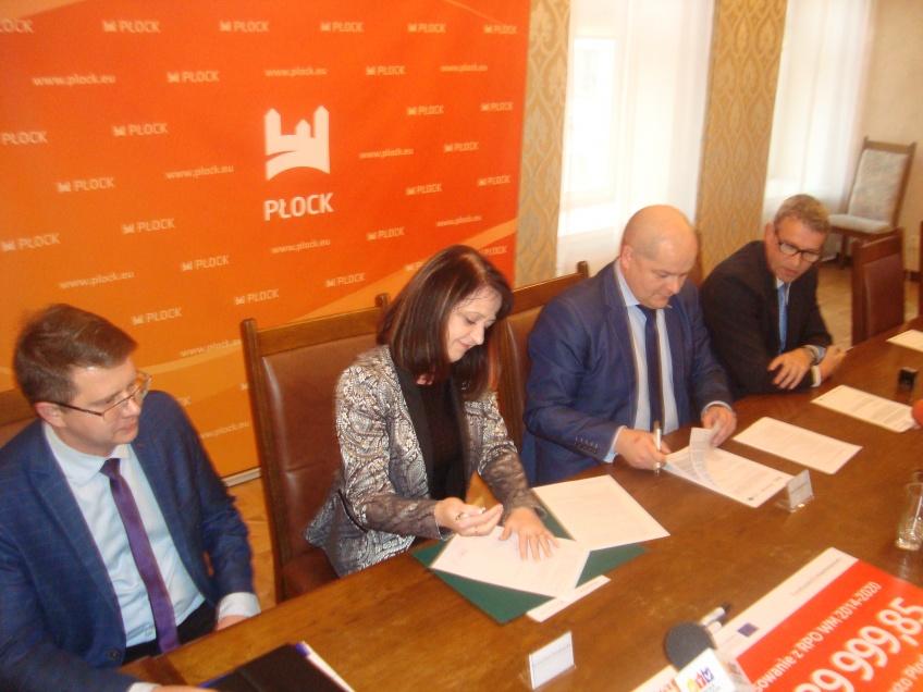 Ponad 27 mln zł z UE na rozwój przedsiębiorczości w Płocku - uroczyste podpisanie umowy