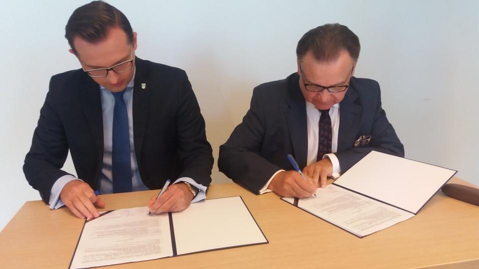 Uroczyste podpisanie umowy o dofinansowanie unijne z dz. 4.3 Redukcja emisji zanieczyszczeń powietrza
