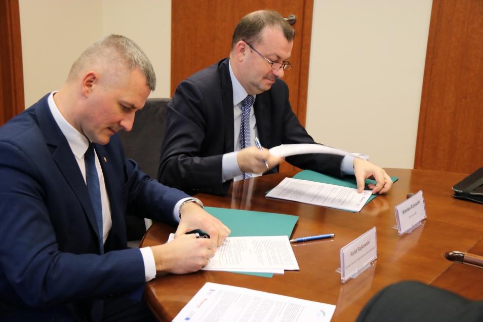 1.Od lewej: Rafał Rajkowski członek zarządu województwa mazowieckiego, Wiesław Raboszuk wicemarszałek