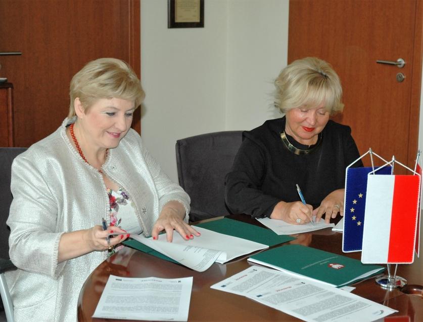 Ponad 3,6 mln zł na e-usługi w zdrowiu i administracji dla Warszawy i okolic