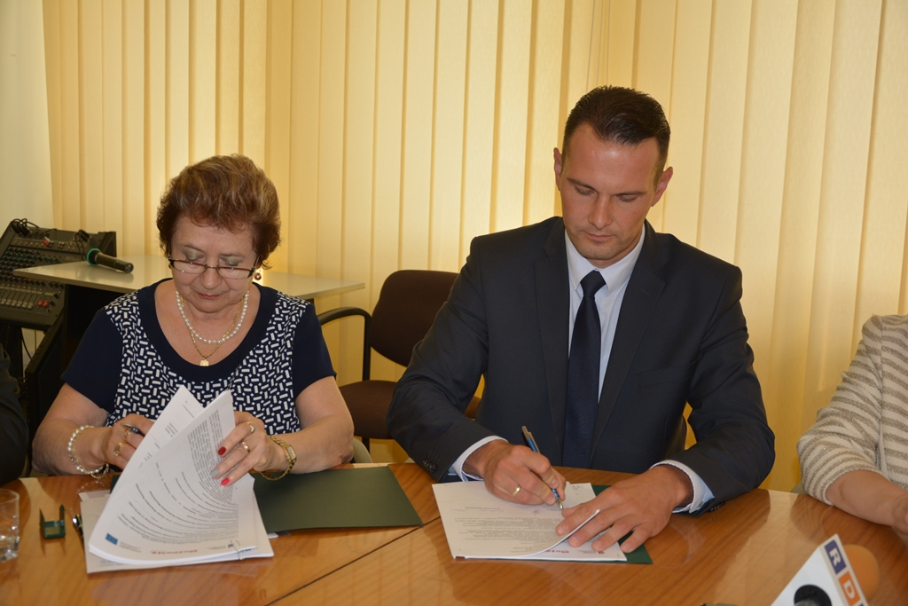 Uroczyste podpisanie czterech umów o dofinansowanie projektów z dz. 7.1 Infrastruktura drogowa