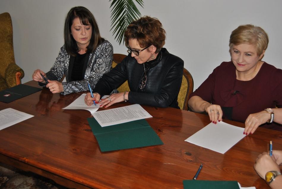 Podpisanie umów o dofinansowanie unijne dwóch projektów z dz. 5.2 Gospodarka odpadami i jednego z dz. 5.1 Dostosowanie do zmian klimatu