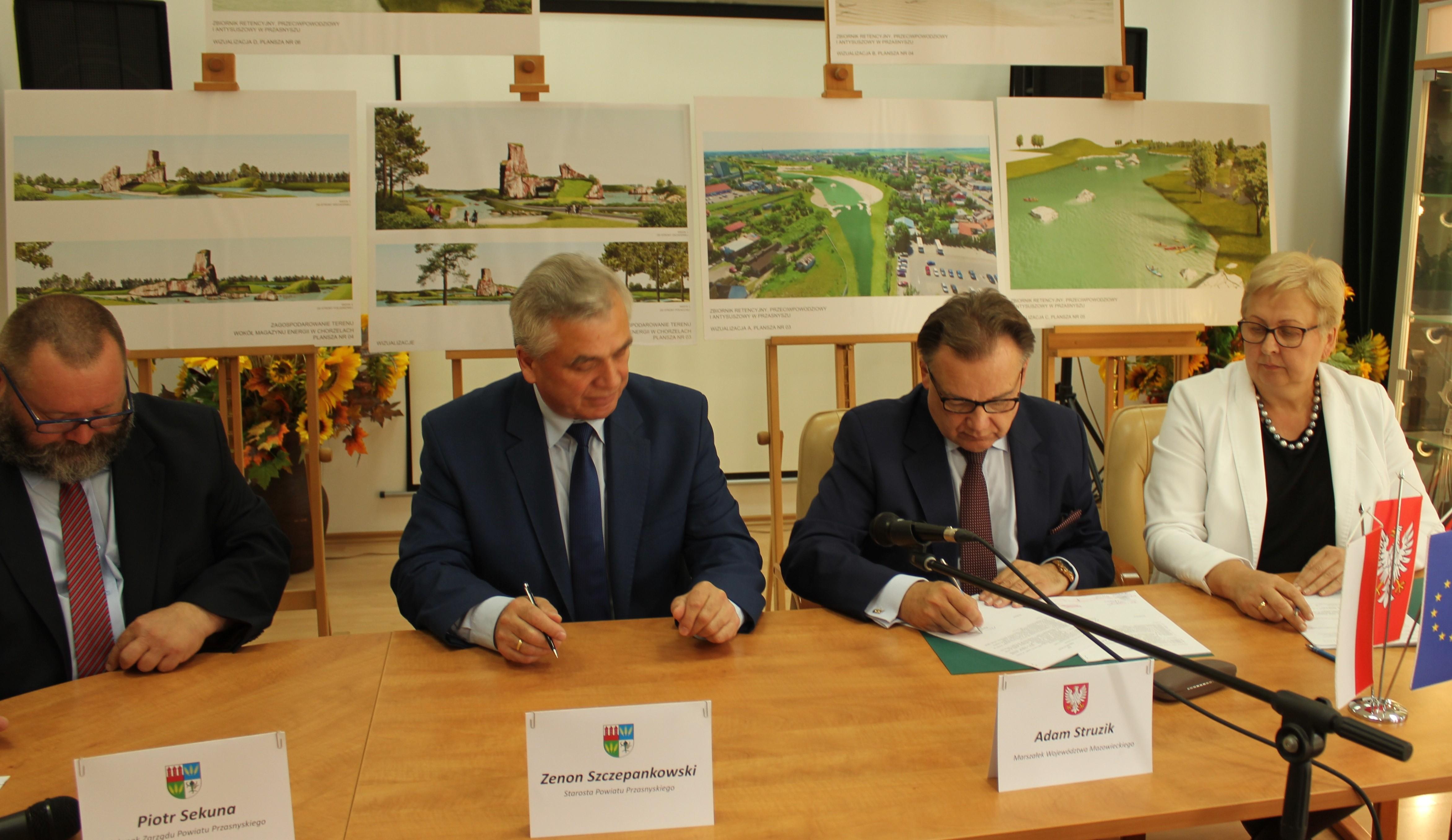 Uroczyste podpisanie w Przasnyszu dwóch umów z dz. 7.1 Infrastruktura drogowa i 10.3 Doskonalenie zawodowe