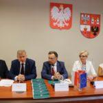 Uroczyste podpisanie umów w Starostwie Powiatowym w Płońsku