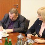 Uroczyste podpisanie umów o dofinansowanie z działania 4.3 Redukcja emisji zanieczyszczeń powietrza i działania 2.1 E-usługi