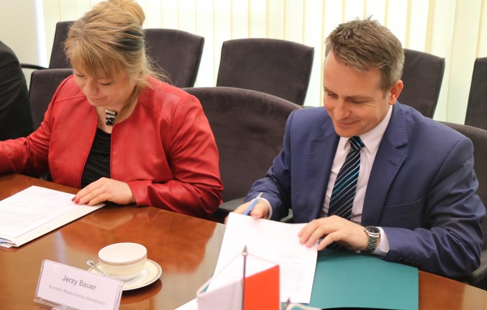 Uroczyste podpisanie umów o dofinansowanie z działania 4.3 Redukcja emisji zanieczyszczeń powietrza i działania 5.3 Dziedzictwo kulturowe