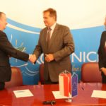Uroczyste podpisanie umowy o dofinansowanie projektu - Renowacja zabytkowej oficyny, budynku wieży, zbiornika fontanny w Zespole Pałacowo – Parkowym w Kozienicach