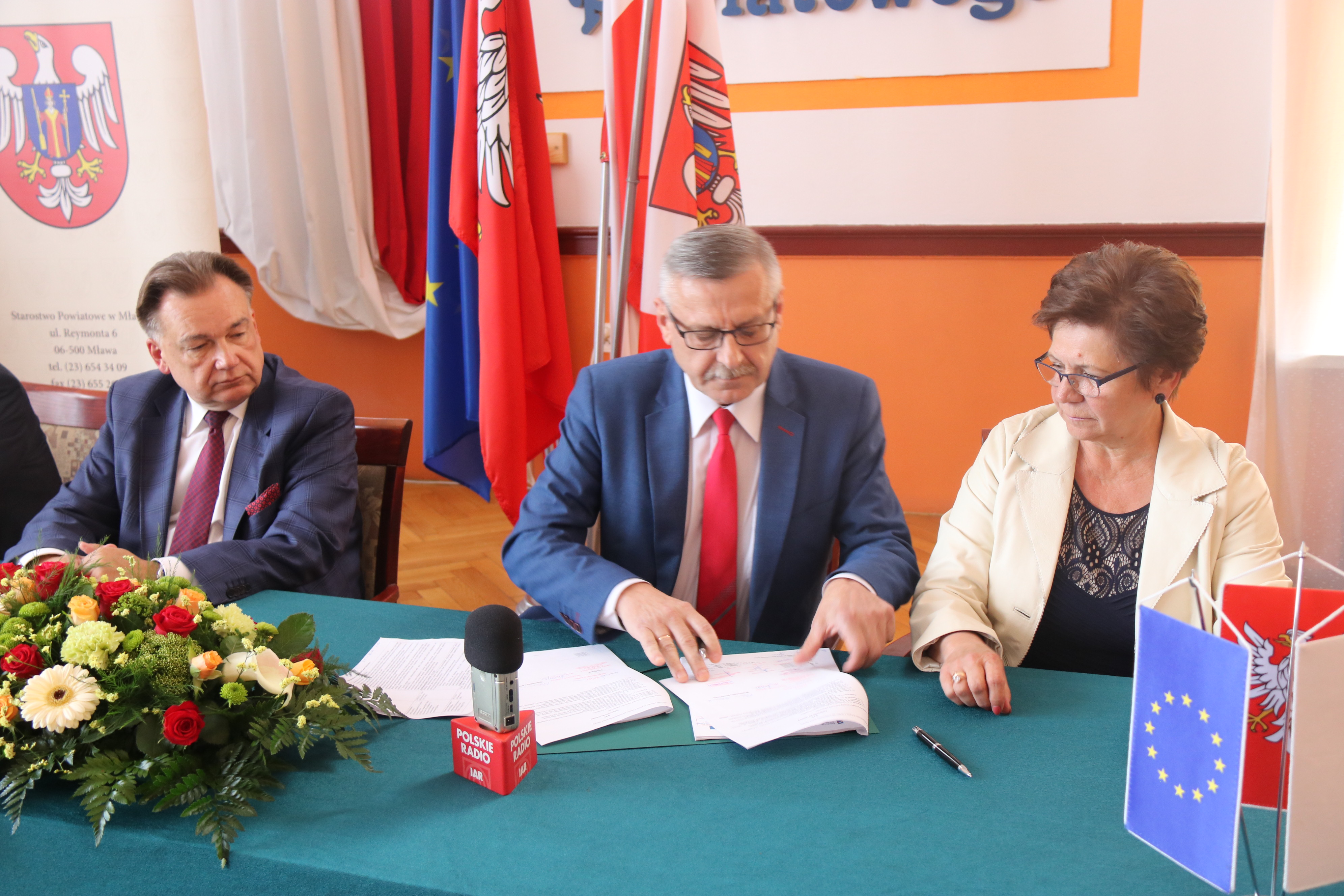 Ponad 14 mln zł na drogi w powiatach mławskim i sierpeckim oraz e-usługi w urzędach gmin Pokrzywnica, Glinojeck i Raciąż
