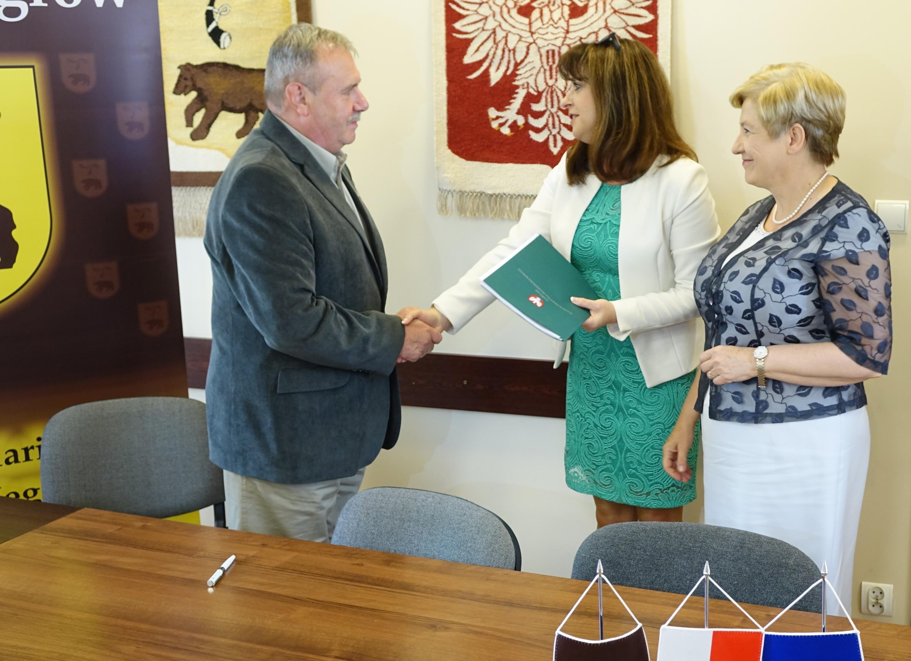 Uroczyste podpisanie umowy o unijne dofinansowanie z dz. 2.1 E-usługi