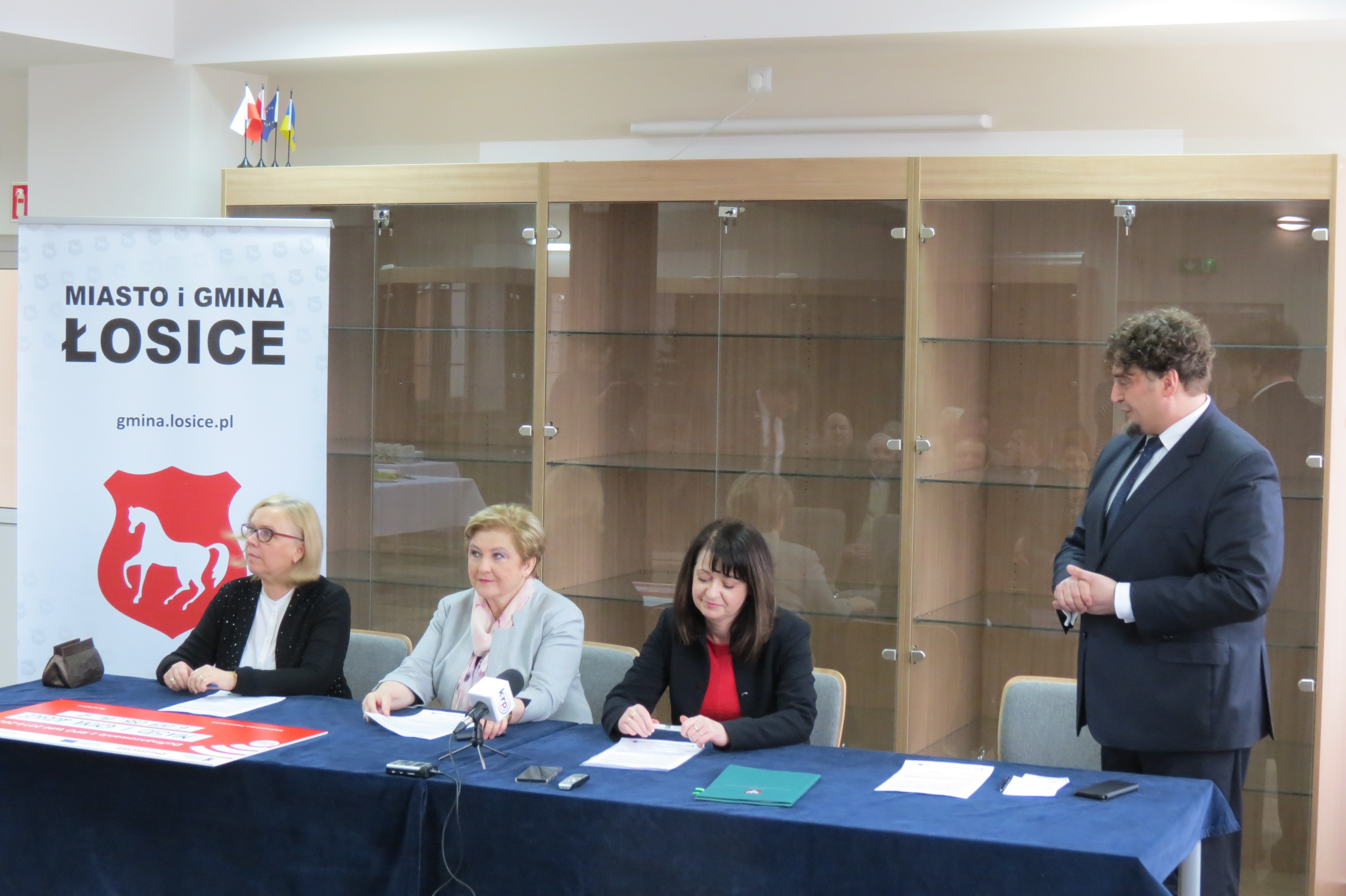 Uroczyste podpisanie umowy w Łosicach projektu rewitalizacyjnego