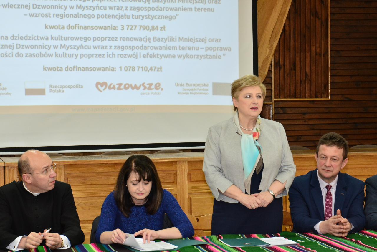 Uroczyste podpisanie umów o dofinansowanie dla Parafii Rzymsko-Katolickiej pw. Trójcy Przenajświętszej w Myszyńcu.