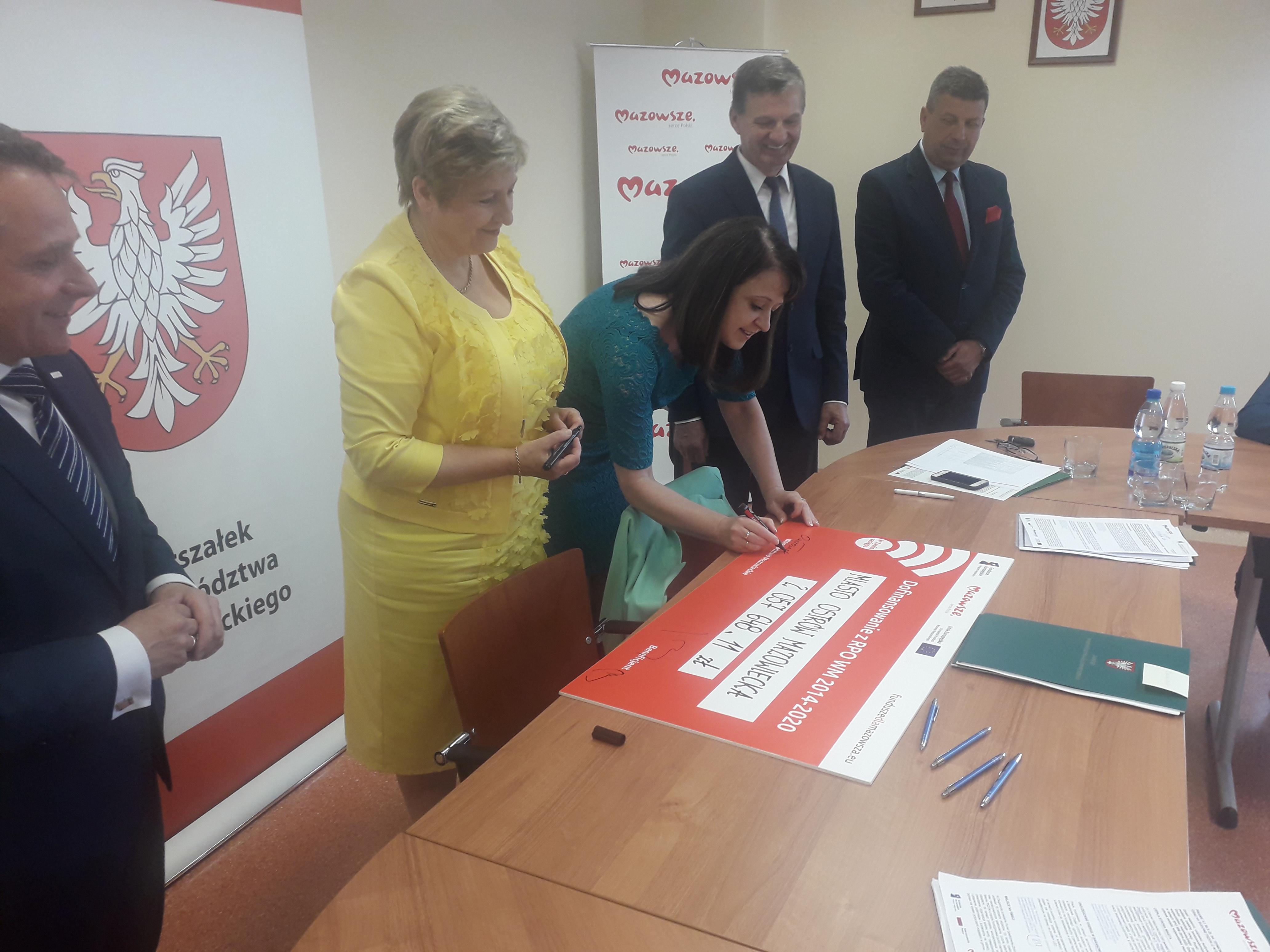 Uroczyste podpisanie trzech umów o dofinansowanie z RPO WM.