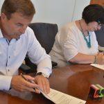 Uroczyste podpisanie umowy