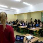 Zanim zespół przystąpi do badań słuchu, musi do nich przekonać rodziców. Spotkanie w Piasecznie (luty 2018 r.)