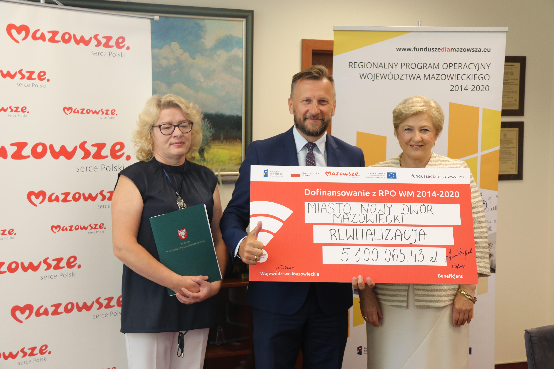 Uroczyste podpisanie umów o dofinansowanie unijne projektów z dz. 6.2 Rewitalizacja obszarów zmarginalizowanych i dz. 4.3 Redukcja emisji zanieczyszczeń powietrza