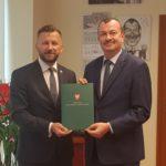Podpisanie umowy. Fot. Katarzyna Szymaniak UM WM