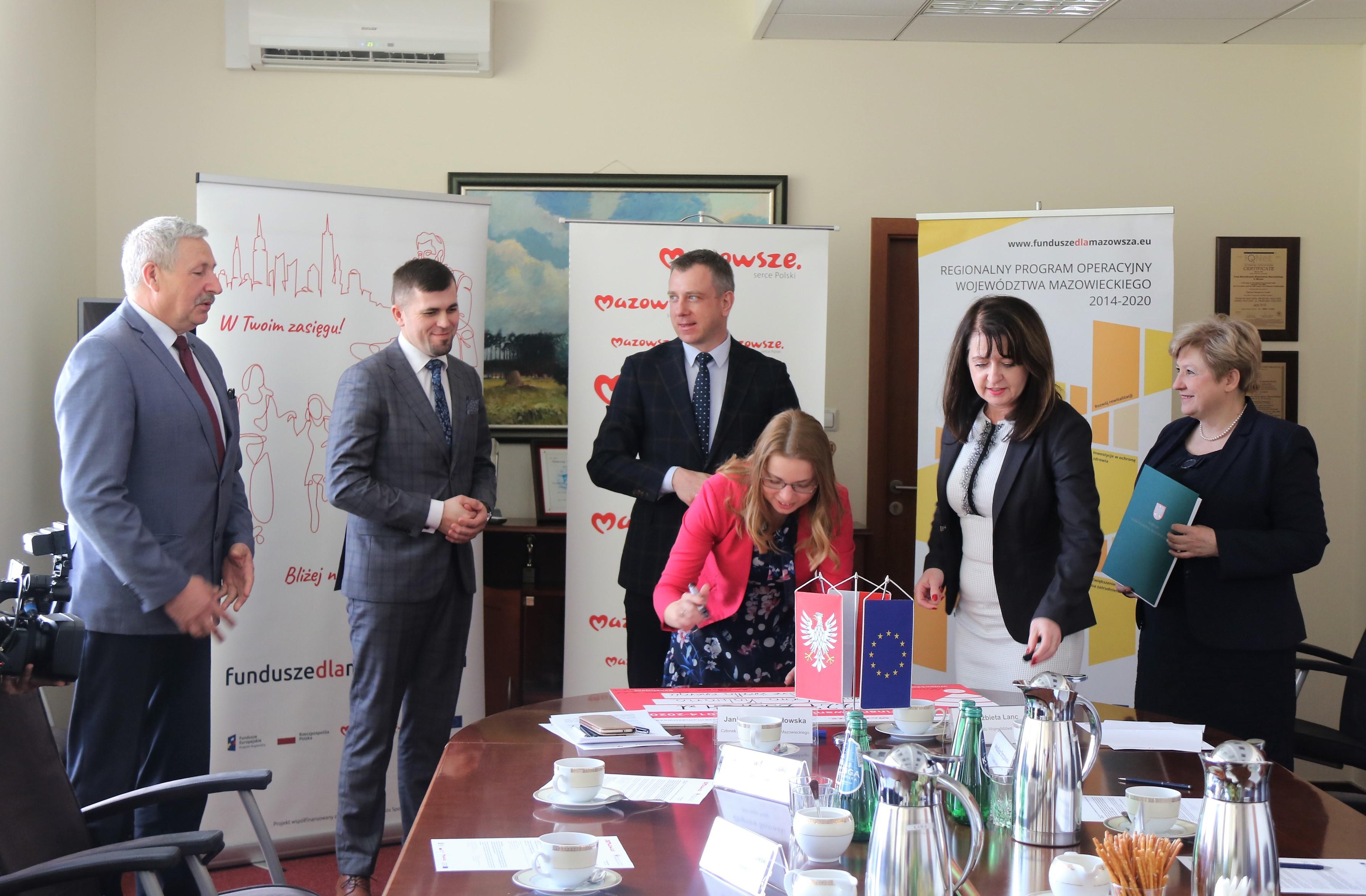 Uroczyste podpisanie umowy o dofinansowanie unijne projektu z dz. 4.1 Odnawialne źródła energii.