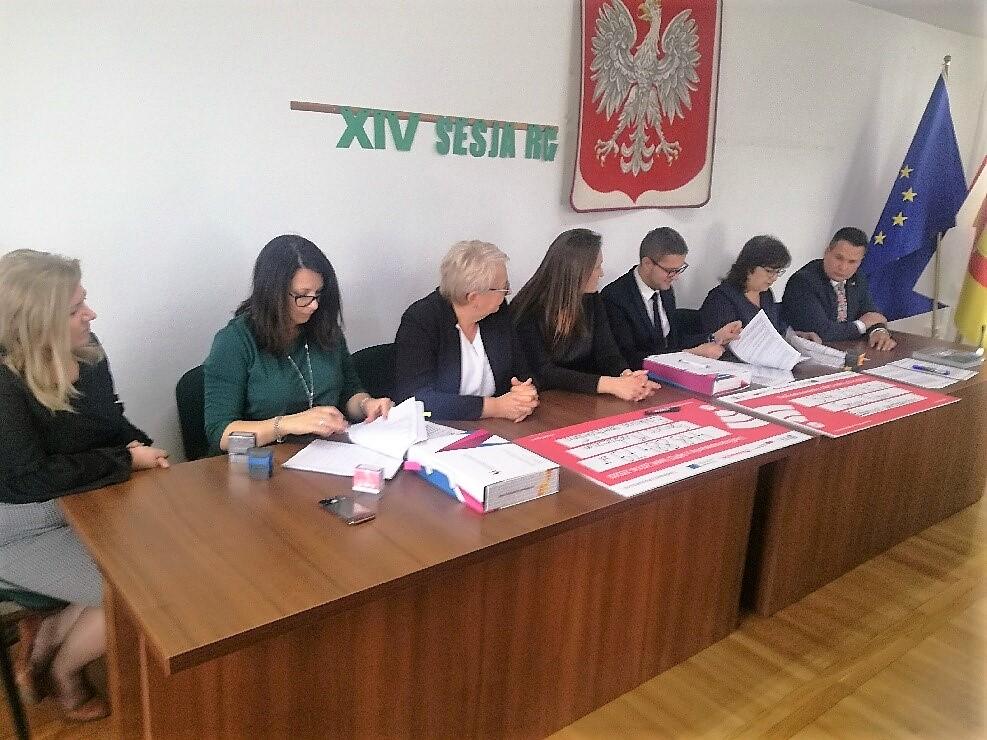 Podpisanie umowy, fot. Gmina Rybno