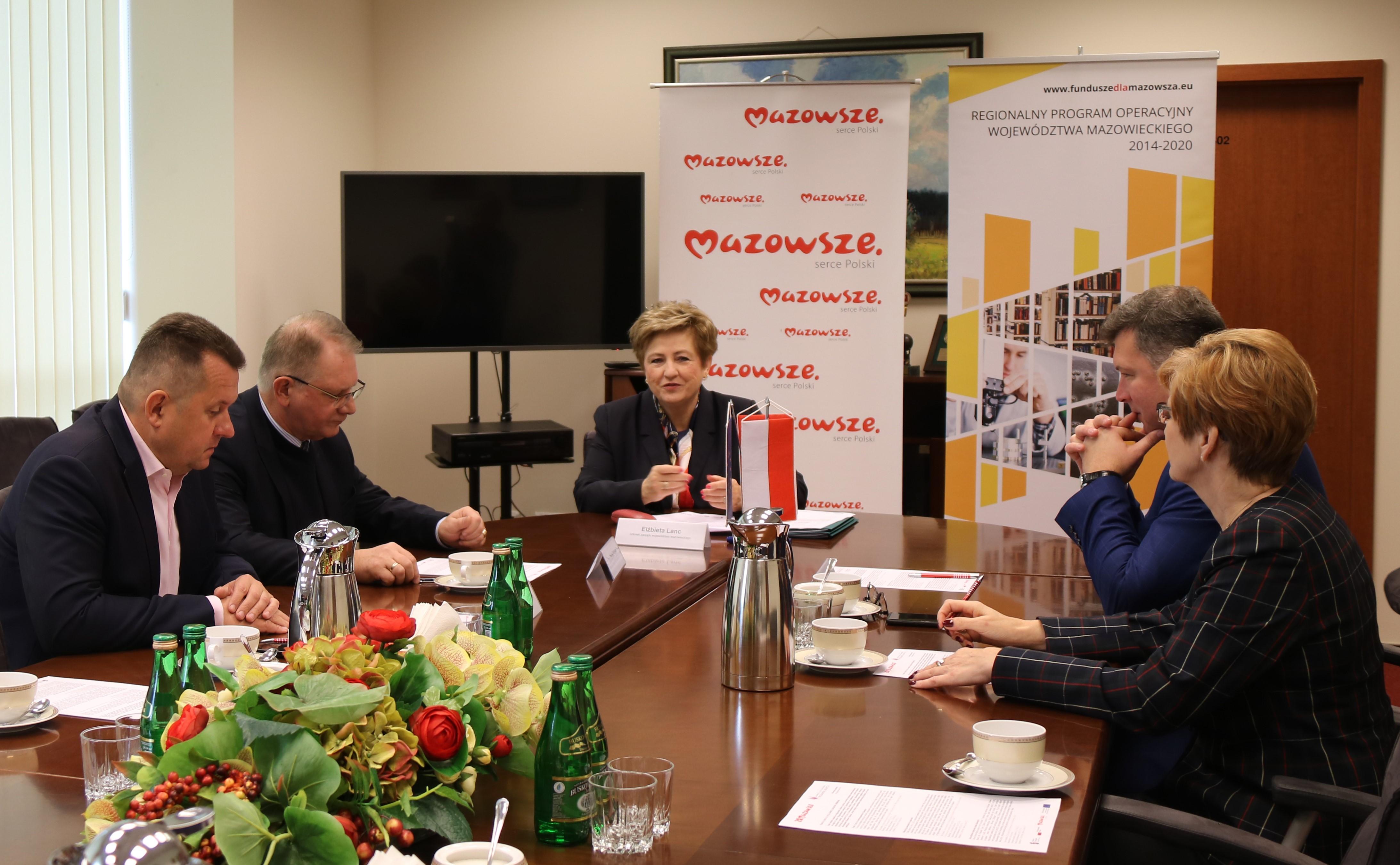 Uroczyste podpisanie umów o dofinansowanie unijne projektów w ramach Działania 4.2 Efektywność energetyczna oraz Działania 4.3.2 Mobilność miejska w ramach ZIT
