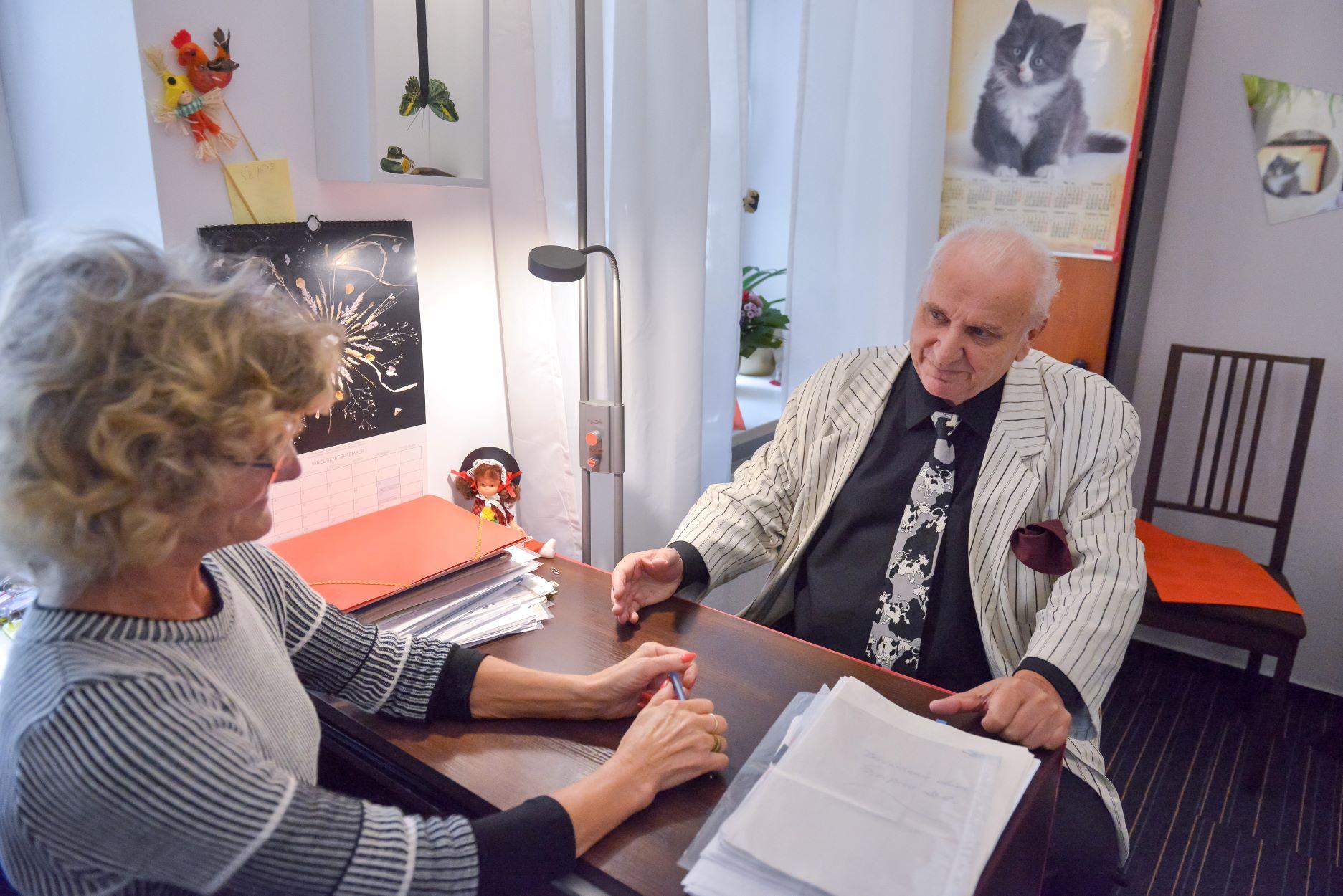 Zobacz - Z@opiekowani warszawscy seniorzy (Z@opiekowani [C@red-for] Warsaw Seniors)