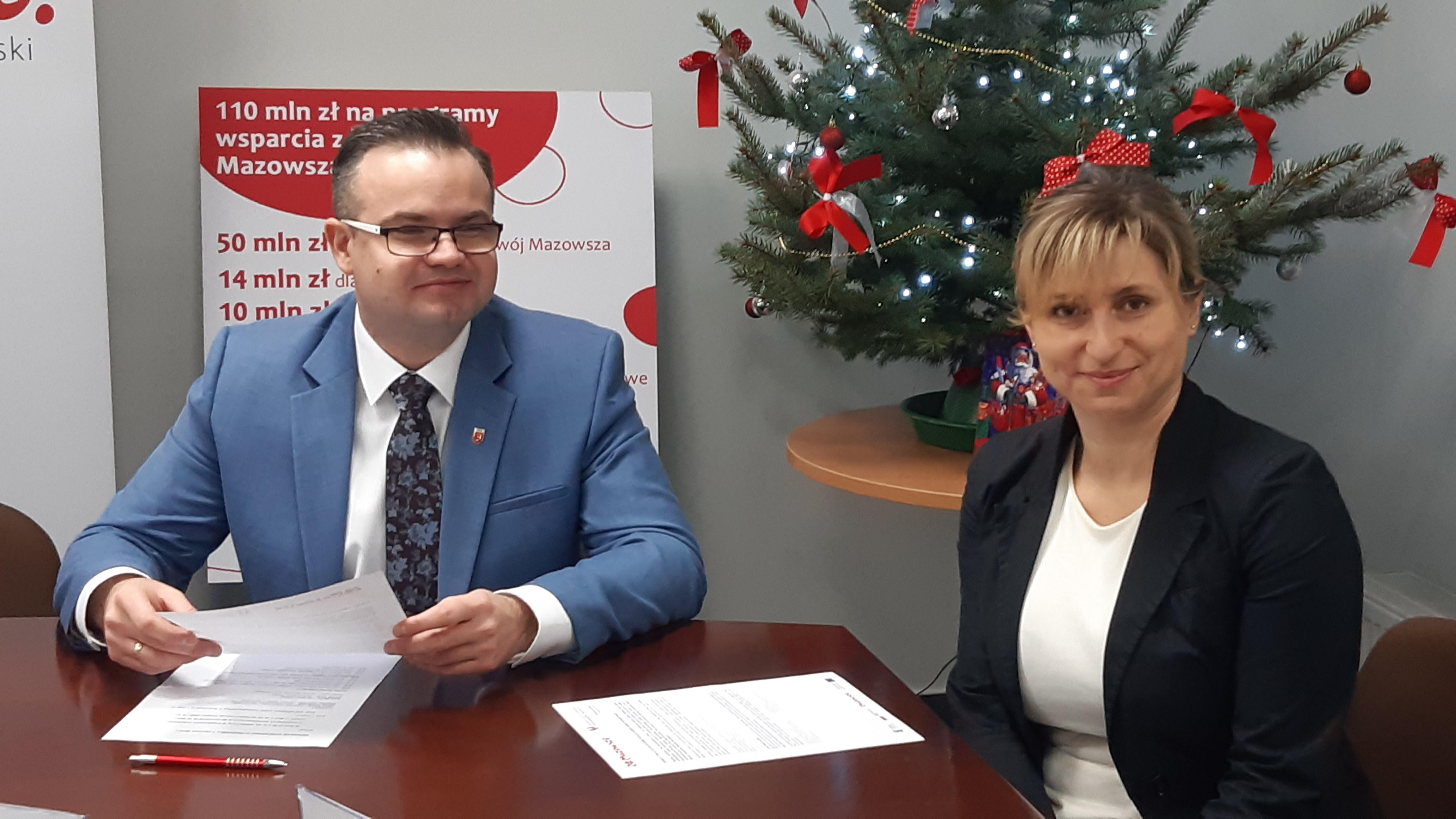 Uroczyste podpisanie umowy o dofinansowanie unijne projektu z Działania 2.1 E-usługi