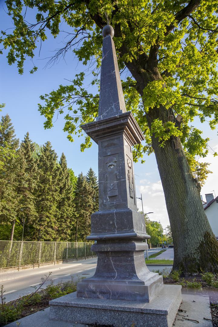 1a -Obelisk po
