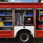 Samochod ratowniczo-gasniczy z zamontowanym wyposazeniem