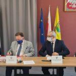 Władze Mazowsza i powiatu Przasnyskiego podpisują umowy o dofinansowanie