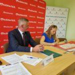 Podpisanie umowy przez beneficjentów z gminy Klwów