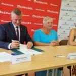 Podpisanie umowy przez beneficjentów z gminy Wieniawa